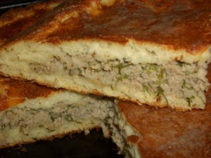 Дрожжевой пирог на манке с мясом,рисом и укропом