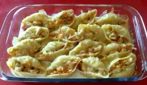 Конкильоне, фаршированные сыром